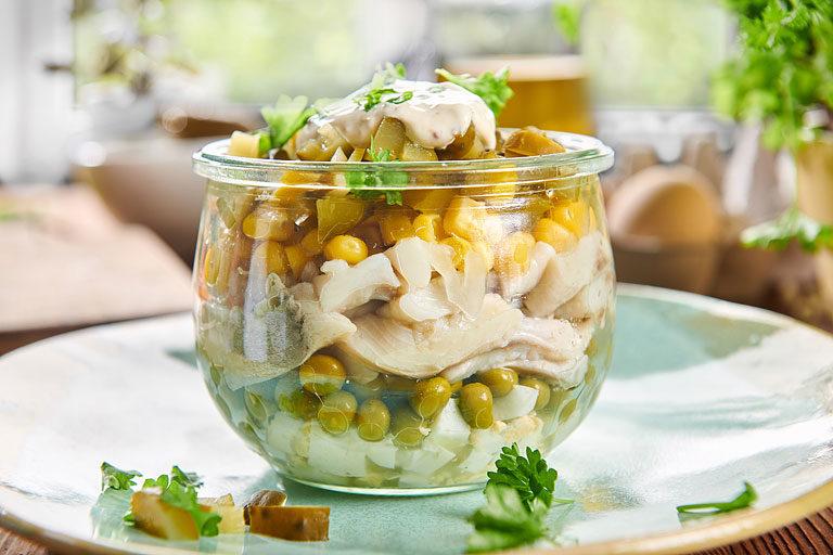 Fit sałatka śledziowa z majonezem